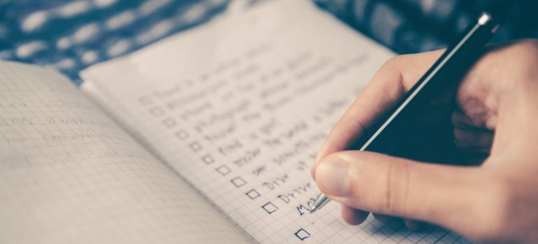 Making a packing checklist for moving